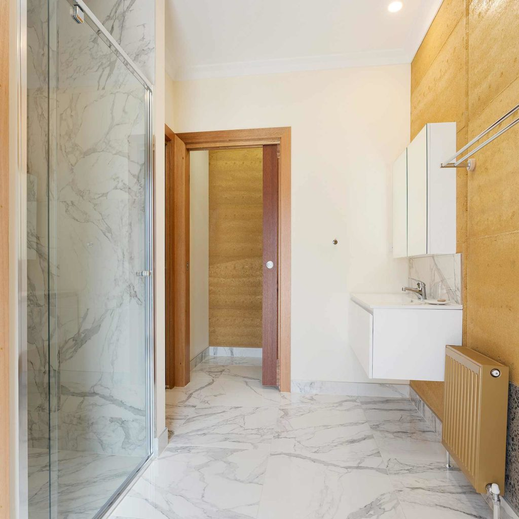 sustainable-contemporary-design-bathroom