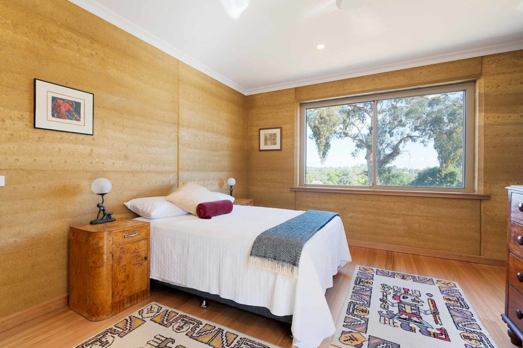 sustainable-contemporary-design-master-bedroom